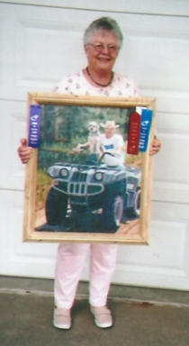 002 - shirley with winning painting - Boyd & Billy